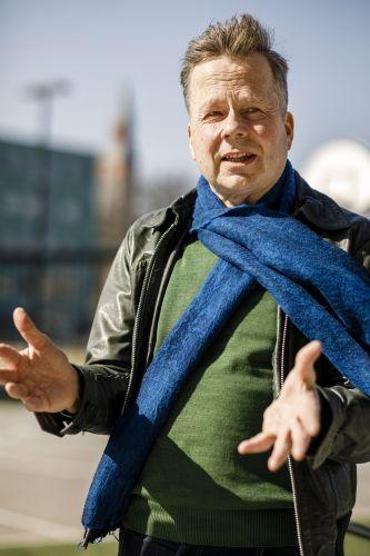 Ympäristöministeriön puurakentamisohjelman päällikkö Petri Heino.